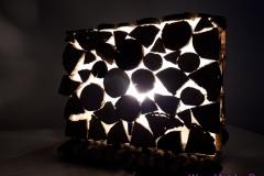 Tischleuchte Quer-Format aus Vollholz und Kunststoffglas