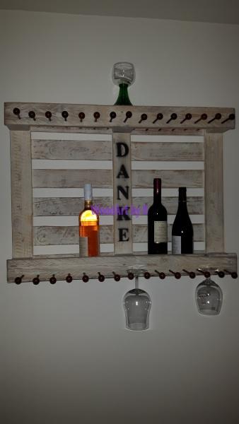 Weinregal aus Einweg-Palette