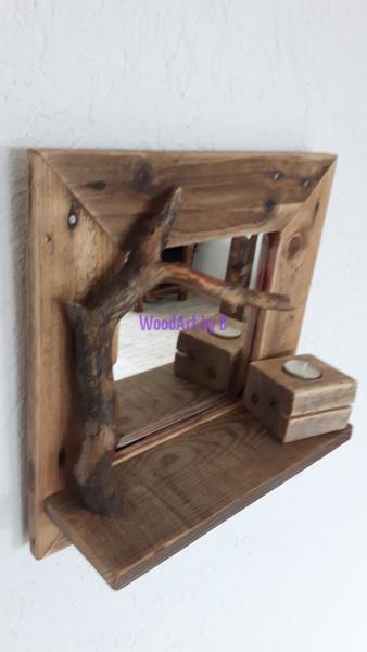 kleiner Rahmen mit Spiegel und Ast
