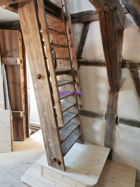 Treppe Obergeschoss zu Dachgeschoss