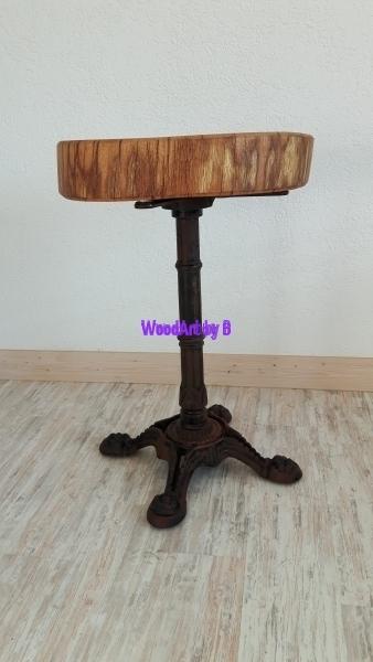 Tisch mit Baumscheibe