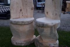 Stuehle aus Baumstuempfen, nach finaler Bearbeitung