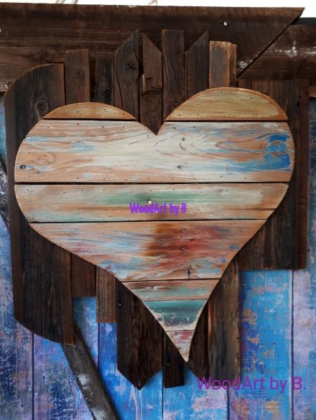 Wanddeko_Herz auf Altholz