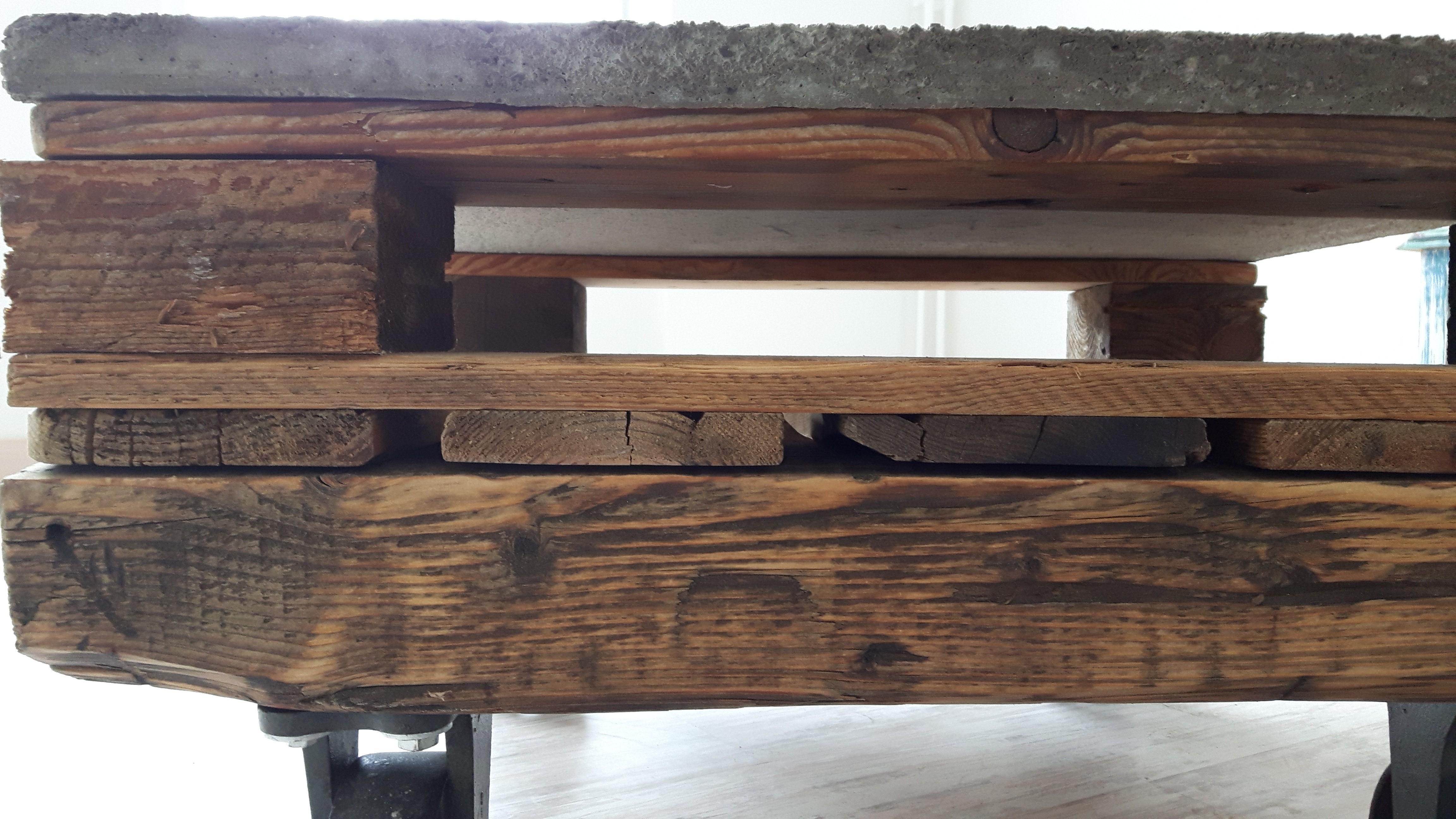 Couchtisch aus euro   paletten und betonplatte   woodart by b