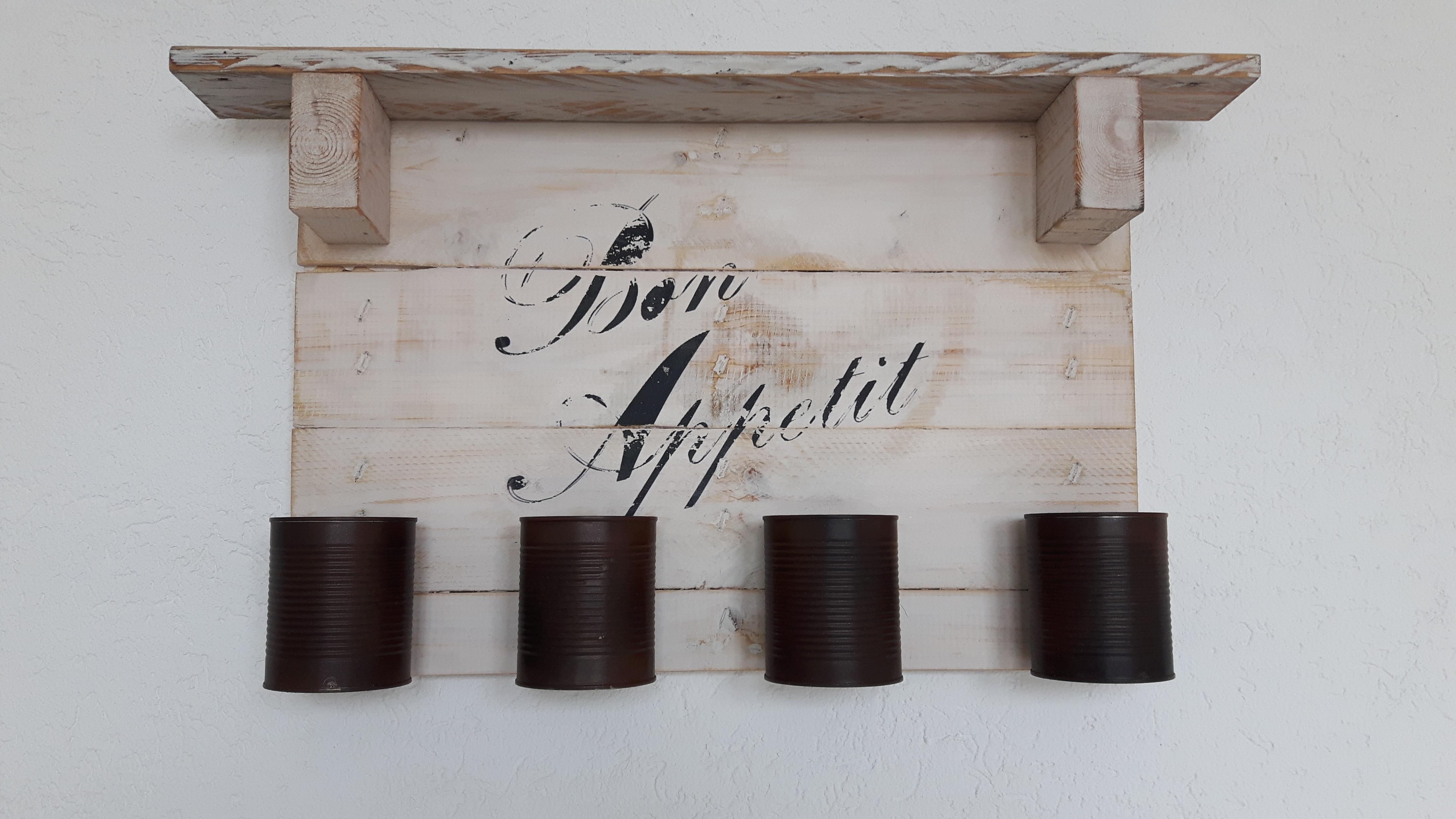 weisses k chenregal aus einwegpalette woodart by b. Black Bedroom Furniture Sets. Home Design Ideas