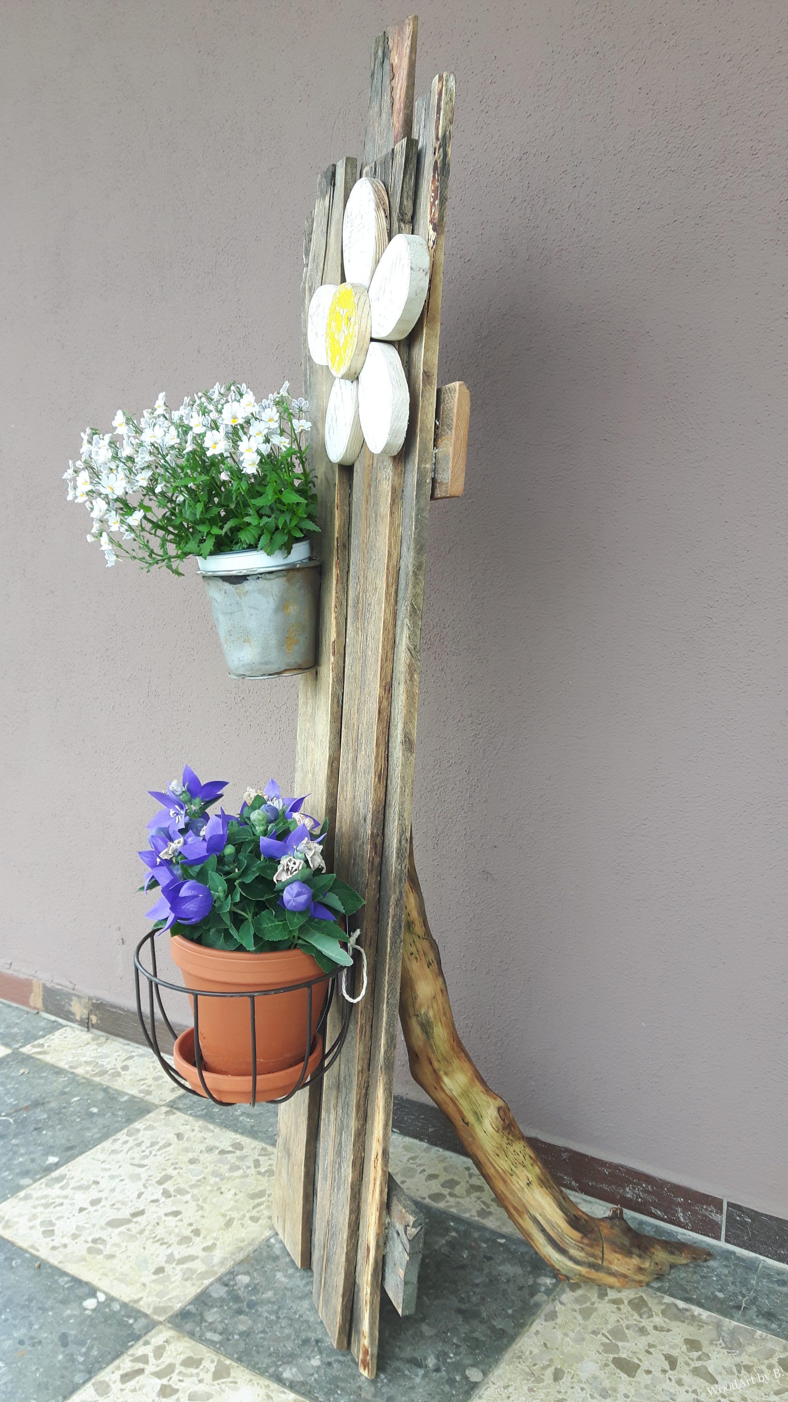 fr hlicher blumenstaender aus altholz woodart by b. Black Bedroom Furniture Sets. Home Design Ideas