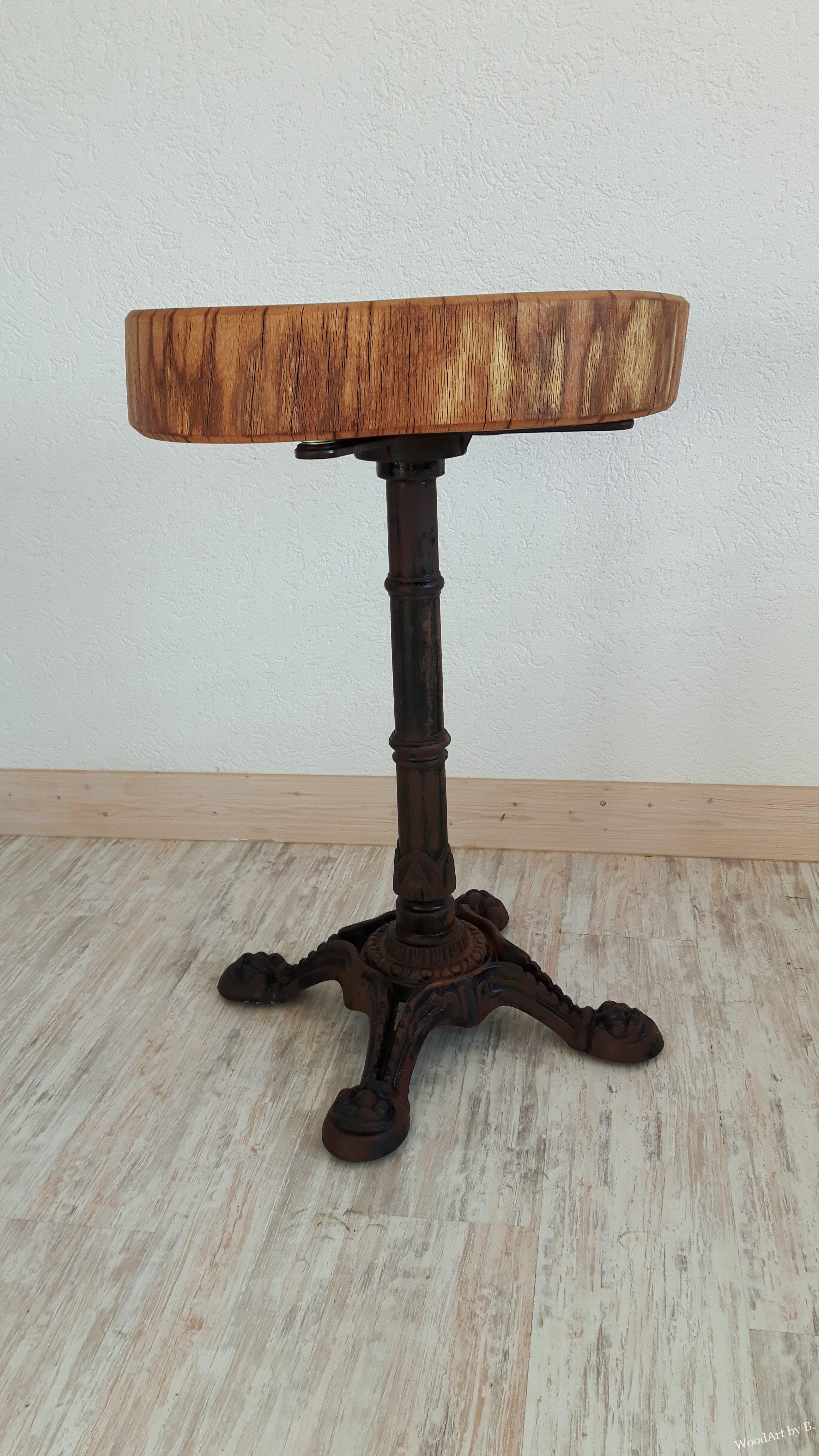 rustikaler tisch mit baumscheibe aus eiche woodart by b. Black Bedroom Furniture Sets. Home Design Ideas