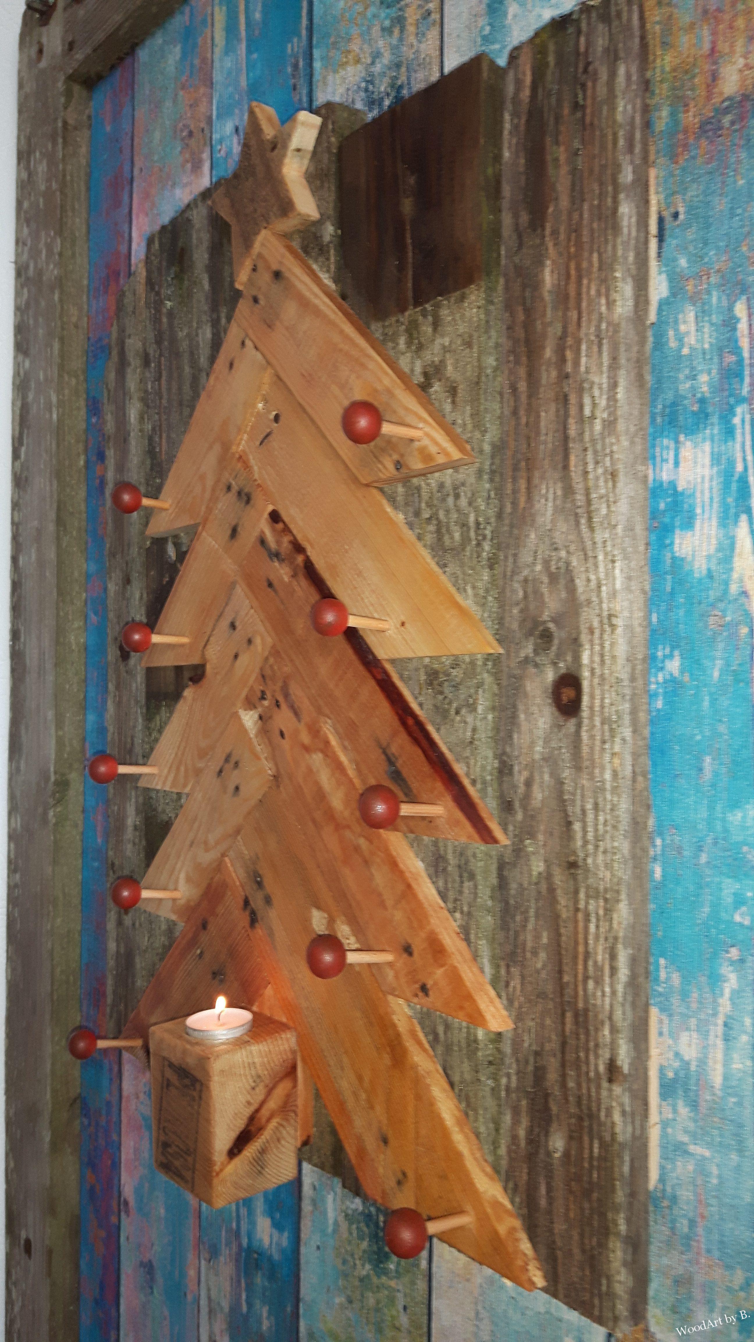 weihnachtsbaum aus altholz mit kerze woodart by b. Black Bedroom Furniture Sets. Home Design Ideas